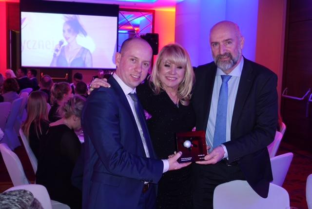 Pearl of Aesthetic Dermatology Award Presented for Fotona4D